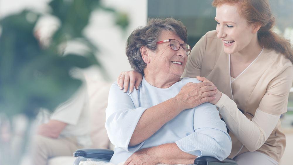 Προσοχή στους ηλικιωμένους στο σπίτι: Οι πτώσεις... παραμονεύουν