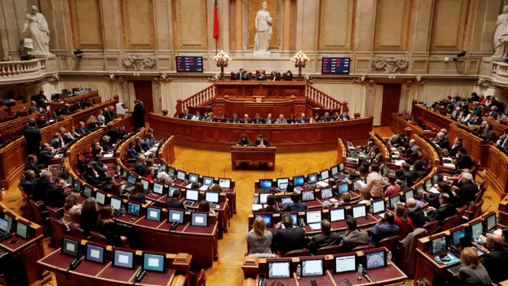 Πορτογαλία: Θετικός στον κορονοϊό ο υπουργός Οικονομίας
