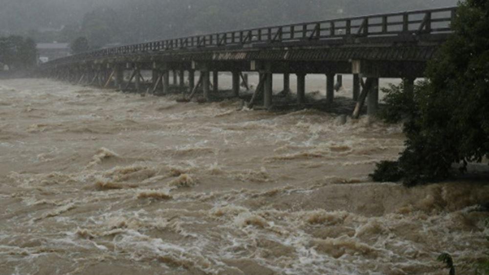 Ιαπωνία: Συναγερμός από την έλευση του τυφώνα Χαγκίμπις