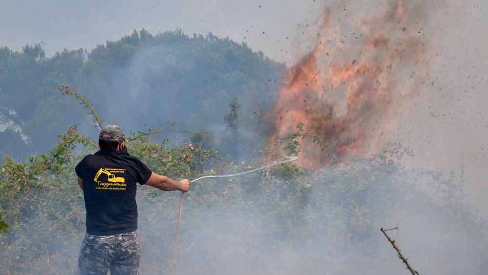 Οι αναζωπυρώσεις καίνε την Ηλεία - Τέσσερις κοινότητες σε κατάσταση έκτακτης ανάγκης