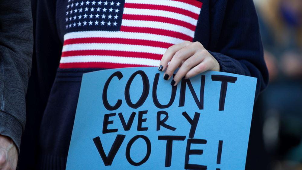 Εκλογές Τζόρτζια: Ο Δημοκρατικός υποψήφιος Γουόρνοκ κερδίζει τη μία από τις δύο έδρες για τη Γερουσία