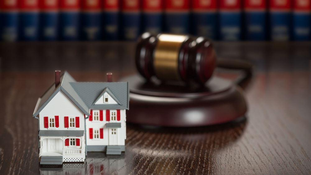 Νέα δεδομένα για τα υπερχρεωμένα νοικοκυριά – Πώς θα προστατεύεται η πρώτη κατοικία