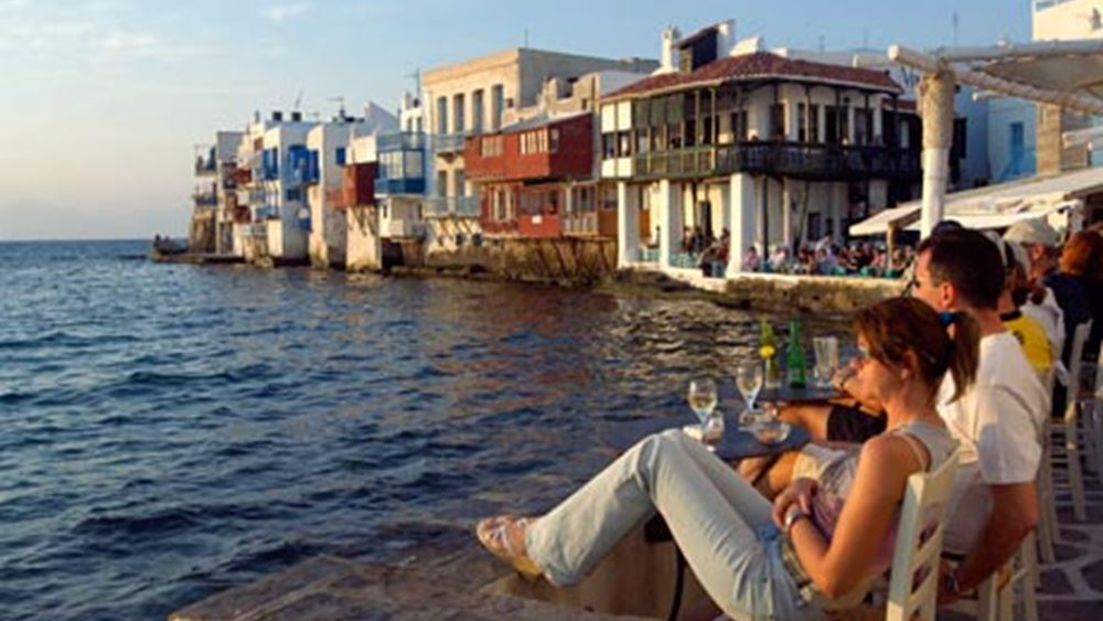 Ξοδεύουν περισσότερα, μένουν παραπάνω στην Ελλάδα οι ξένοι τουρίστες
