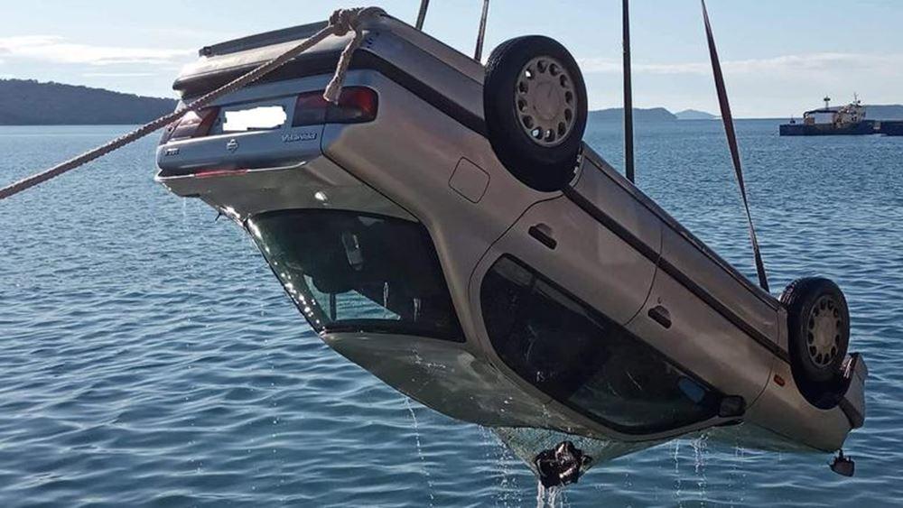 """Αυτοκίνητο έκανε """"βουτιά"""" στο λιμάνι του Αστακού"""