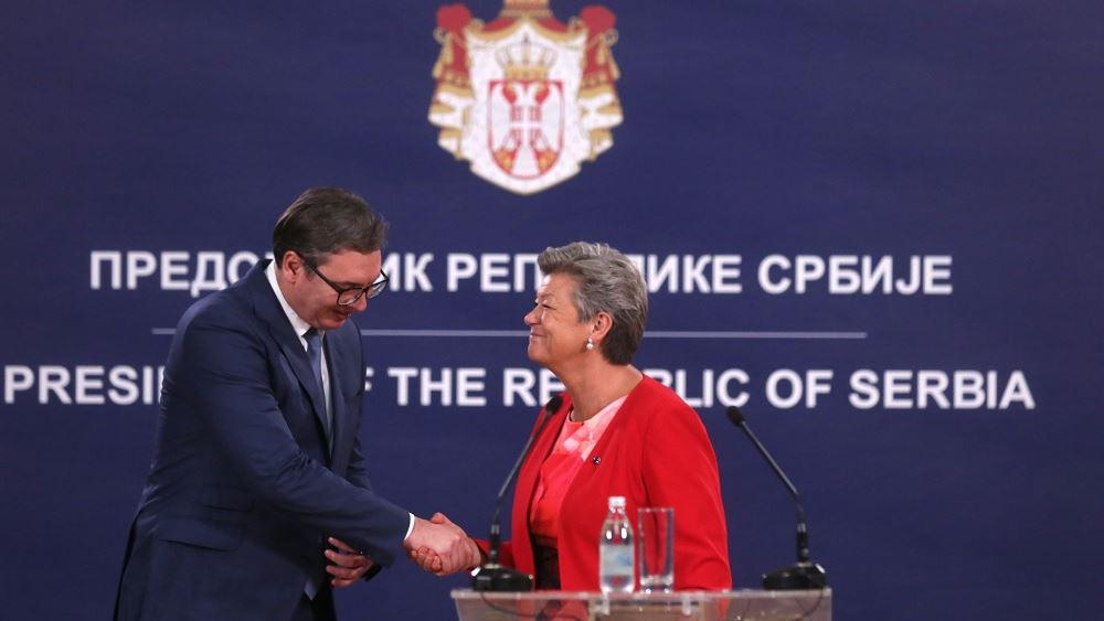 ΕΕ: 11 εκατ. ευρώ στη Σερβία για την αντιμετώπιση του μεταναστευτικού