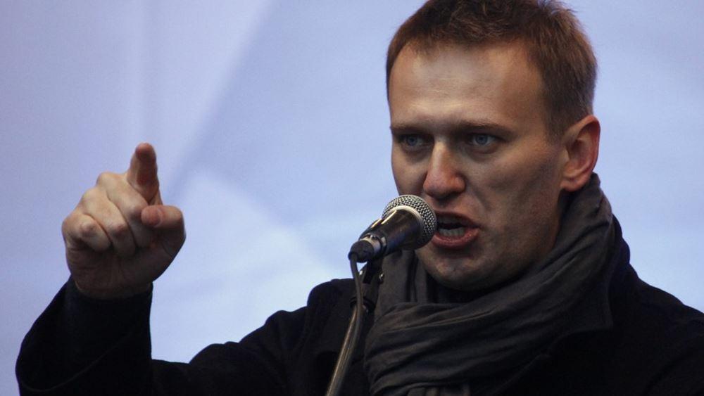 Στην εντατική με συμπτώματα δηλητηρίασης ο πολιτικός αντίπαλος του Πούτιν, Αλεξέι Ναβάλνι