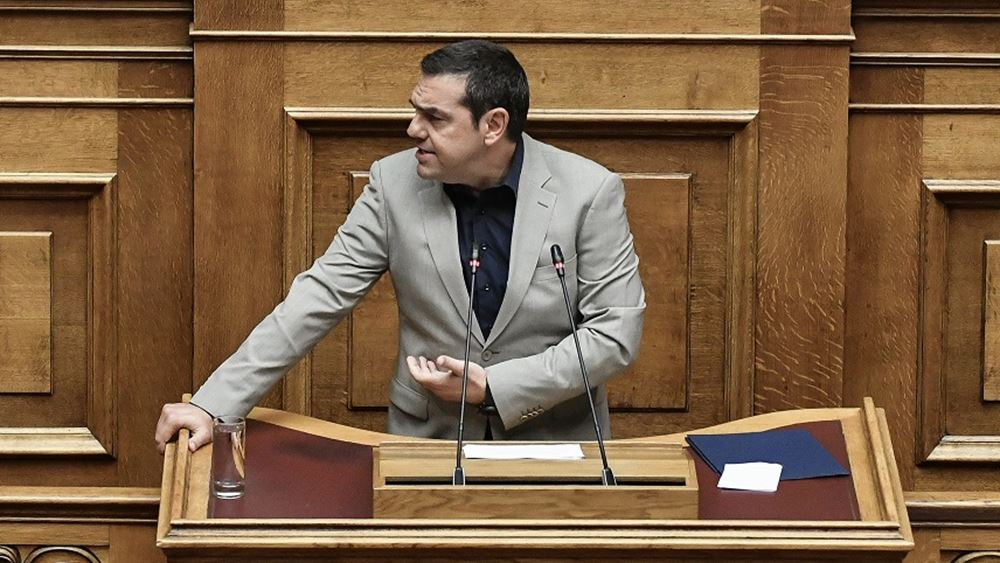 """Ο Τσίπρας επιτίθεται σε Μητσοτάκη και ΜΜΕ για fake news και """"οργουελικό σκηνικό"""""""