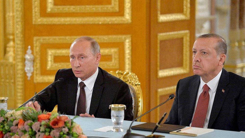 Σκληραίνει το παιχνίδι Τουρκίας και Ρωσίας στη Λιβύη