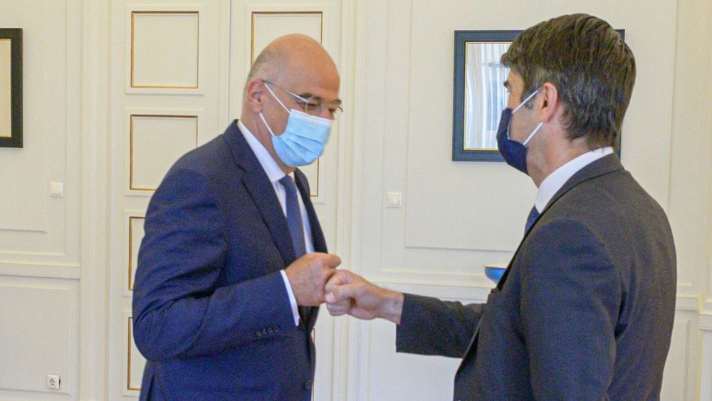 Οι εξελίξεις σε Ανατολική Μεσόγειο και Λιβύη στο επίκεντρο της συνάντησης του Ν. Δένδια με τον Γάλλο πρέσβη