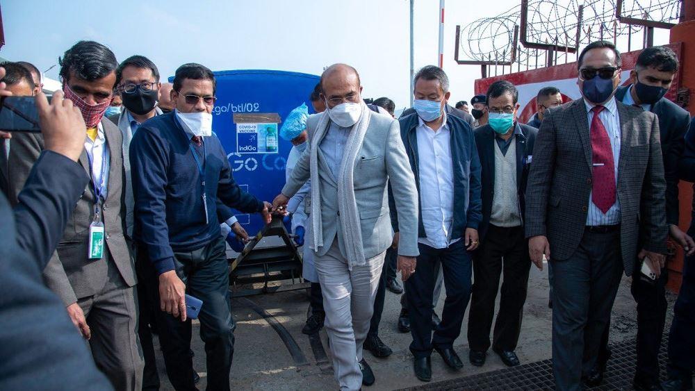 Ινδία: Ξεκίνησαν οι αποστολές εμβολίων σε γειτονικές χώρες