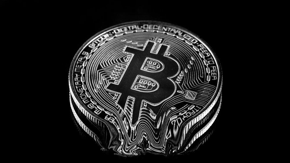 Θα συνεχιστεί η κατάρρευση του bitcoin ή έχει 'πιάσει πάτο';