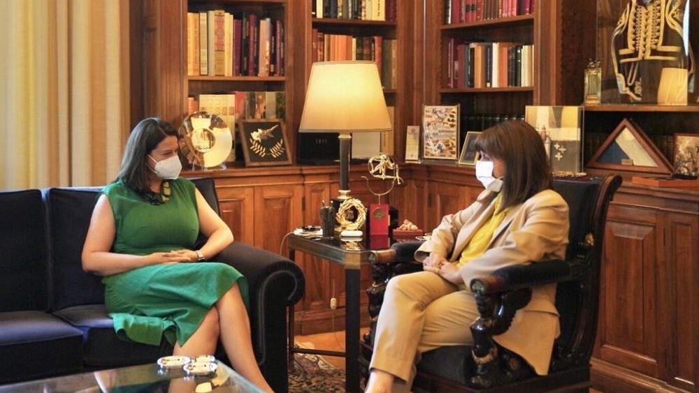 Συνάντηση της ΠτΔ με την υπουργό Παιδείας
