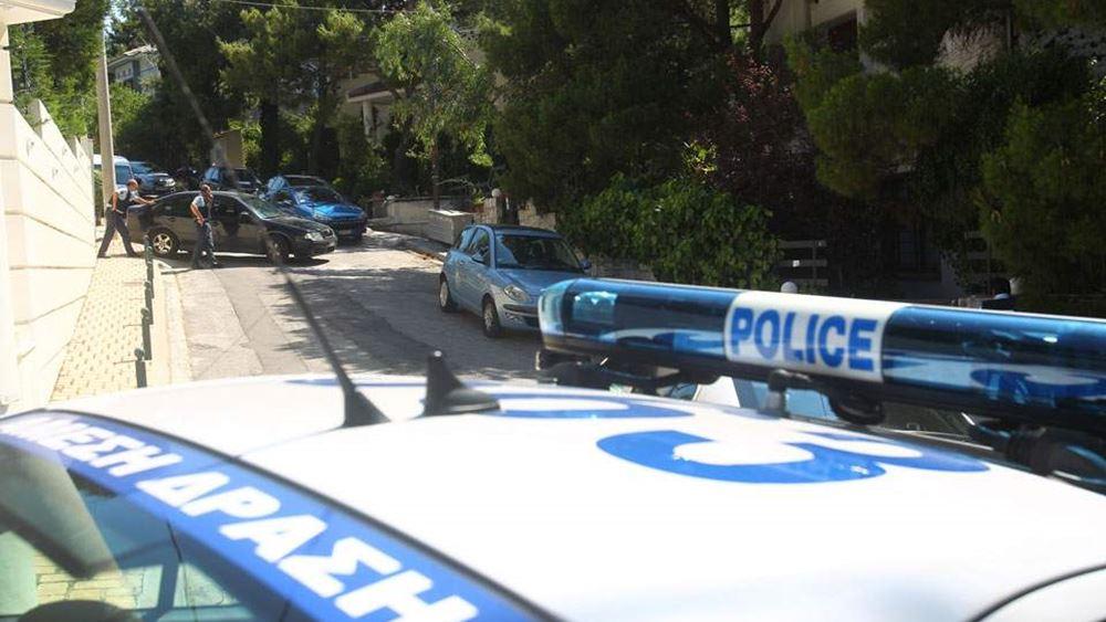 Δύο άτομα λήστεψαν 71χρονη μέσα στο διαμέρισμά της στην περιοχή του Ζωγράφου