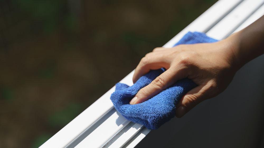 Κάντο μόνος σου: Tips για τη σωστή συντήρηση και τον καθαρισμό των κουφωμάτων αλουμινίου