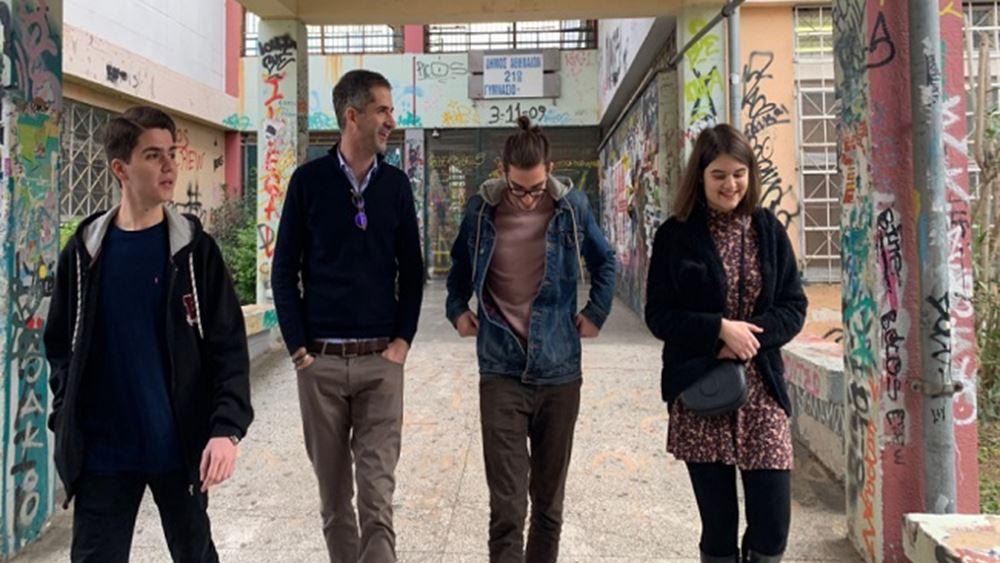 Με μαθητές συναντήθηκε ο Κ. Μπακογιάννης στο σχολικό συγκρότημα της Γκράβας