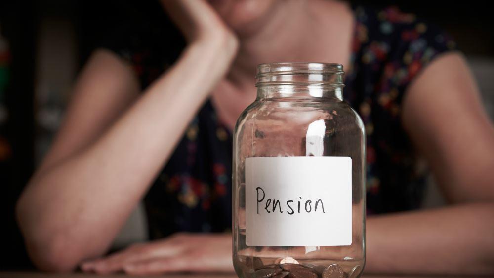Σύνταξη πριν τα 55 για έναν στους τέσσερις νέους συνταξιούχους δημοσίου