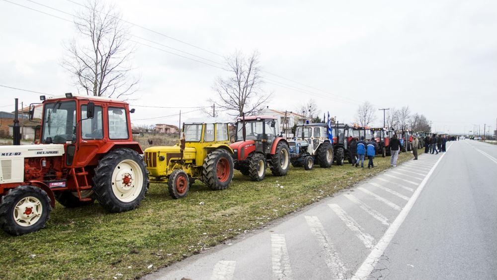 Σε μπλόκα προχωρούν την Τετάρτη οι αγρότες της Θεσσαλίας
