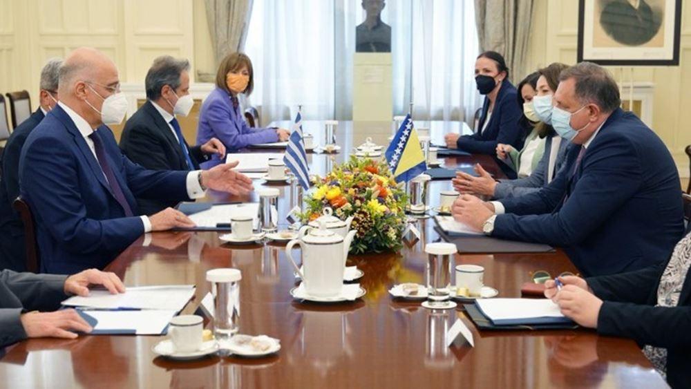 Διμερή θέματα και η ευρωπαϊκή προοπτική των Δ. Βαλκανίων στη συνάντησηΝ. Δένδια - Μ. Ντόντικ