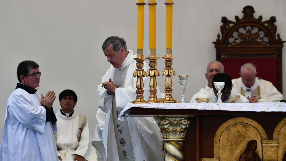 Γαλλία: Υπήρξαν από 2.900 έως 3.200 παιδεραστές στο πλαίσιο της καθολικής Εκκλησίας από το 1950