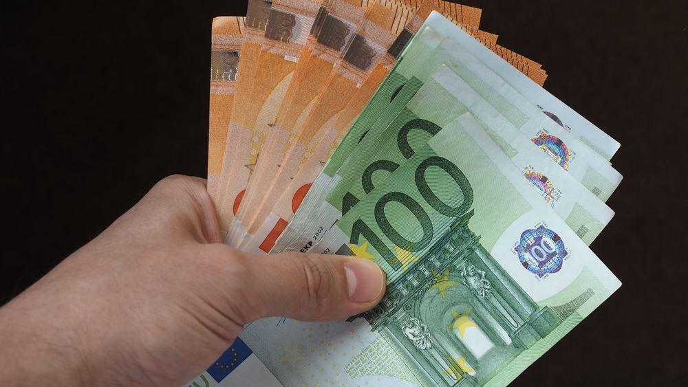 Το παράδοξο της αύξησης των μετρητών εν μέσω πανδημίας