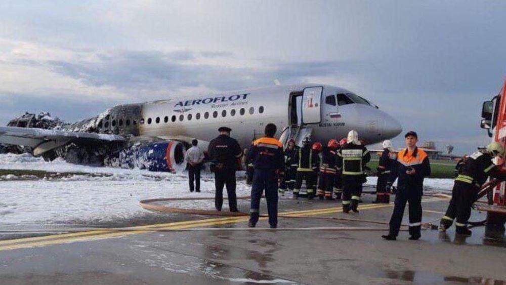 Ρωσία: Το αεροσκάφος της Aeroflot χτυπήθηκε από κεραυνό.