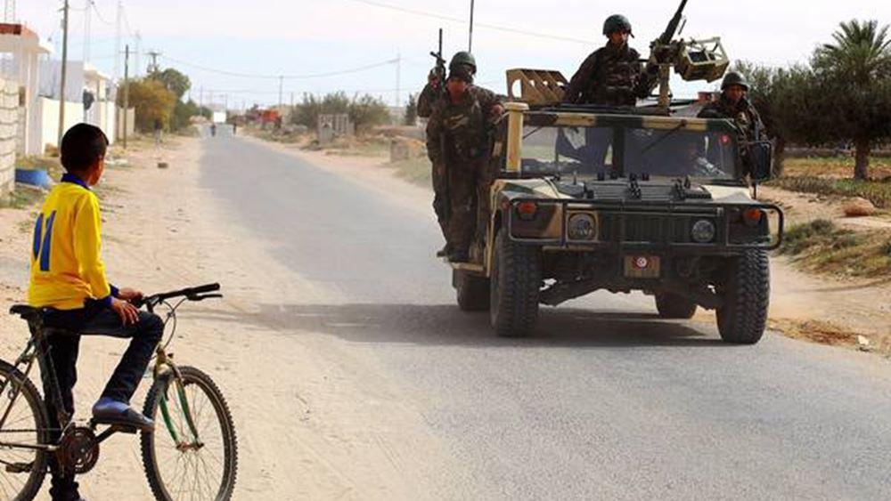 """Σε """"high alert"""" οι δυνάμεις της Τυνησίας στα σύνορα με τη Λιβύη"""