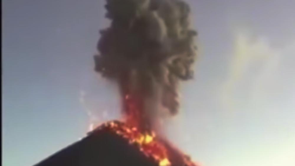 Γουατεμάλα: Ταυτόχρονη ενεργοποίηση τριών ηφαιστείων