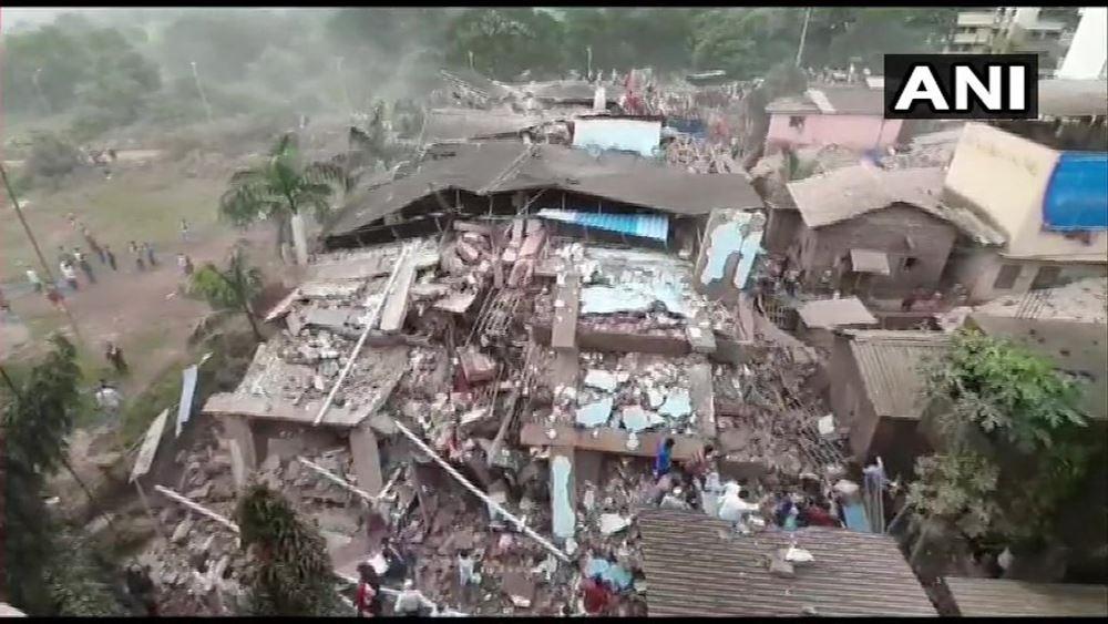 Κατέρρευσε πολυκατοικία στην Ινδία: Τουλάχιστον 90 άνθρωποι παγιδεύτηκαν στα συντρίμμια