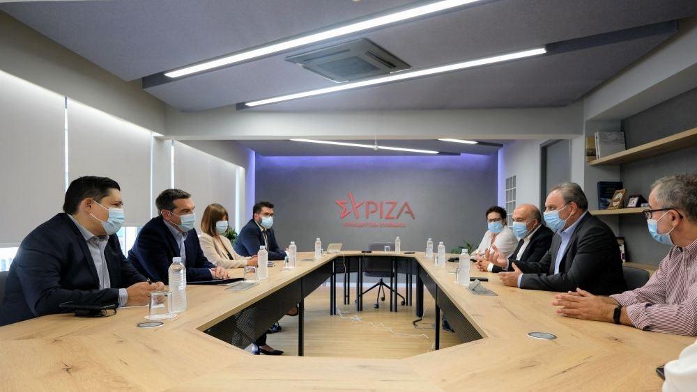 Συνάντηση του Αλ. Τσίπρα με τον γενικό γραμματέα του ΑΚΕΛ