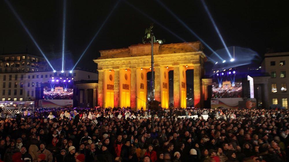 """Γερμανία: Το Μνημείο Ελευθερίας και Ενότητας δεν """"πρόλαβε"""" την επέτειο Πτώσης του Τείχους"""