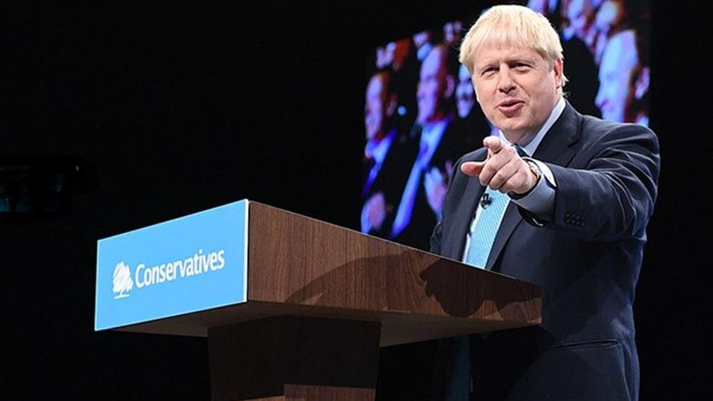 Βρετανία-κορονοϊός: Περισσότερο επικριτικοί απέναντι στους κυβερνητικούς χειρισμούς εμφανίζονται οι ψηφοφόροι
