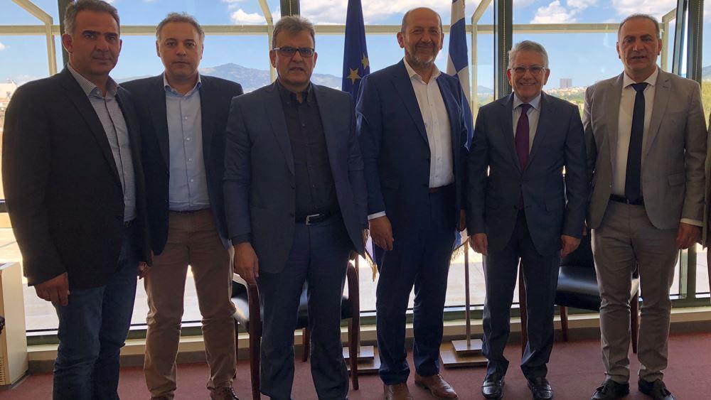 Συνάντηση υφυπουργού Περιβάλλοντος με τους προέδρους των Επιμελητηρίων της Περιφέρειας Πελοποννήσου