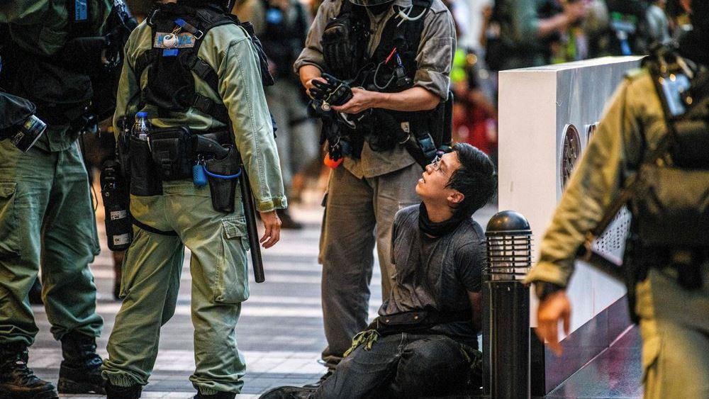 Τι σηματοδοτεί η κίνηση Τζόνσον να ανοίξει τα σύνορα της Βρετανίας σε 3 εκατ. πολίτες του Χονγκ Κονγκ
