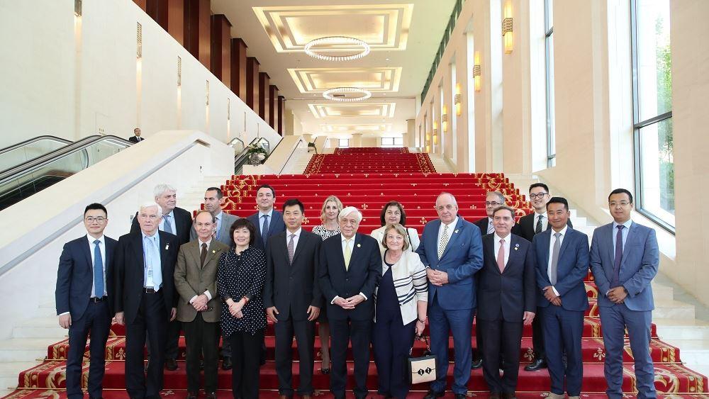 Ο ΠτΔ επισκέφθηκε το Executive Briefing Center της Huawei στο Πεκίνο