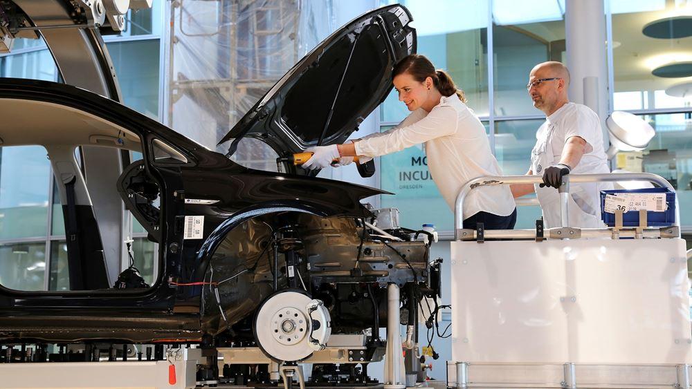 Γερμανία: Η VW θα απολύσει 5.000 έως 7.000 υπαλλήλους της ως το 2023