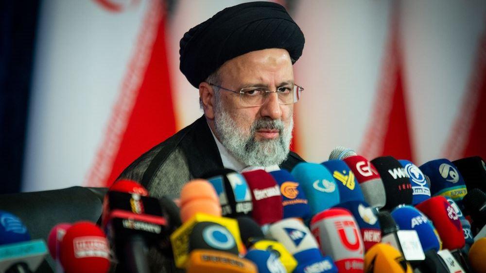 """Ποιος είναι ο νέος πρόεδρος του Ιράν και σε ποιον θα """"υπακούει"""""""
