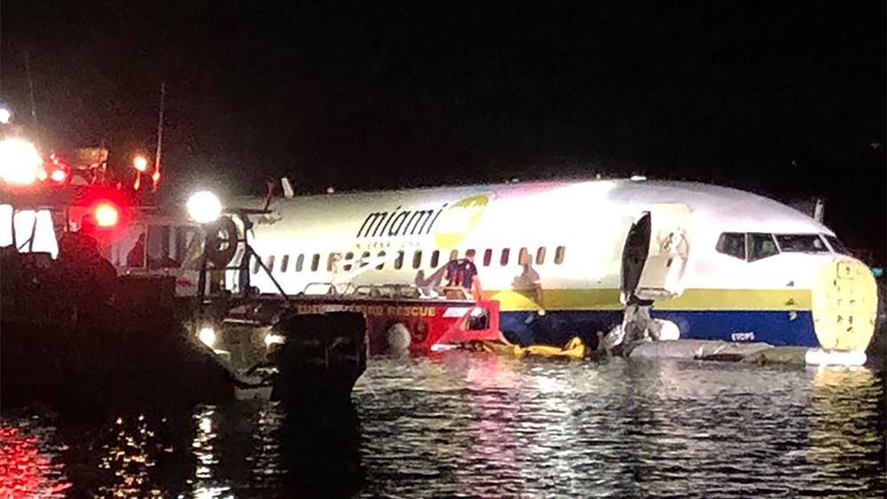 ΗΠΑ: Boeing 737 κατέληξε σε ποτάμι στη Φλόριντα