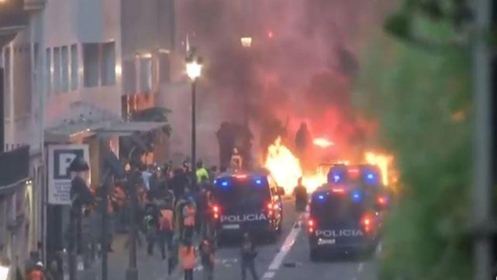 Συγκρούσεις διαδηλωτών-αστυνομίας στη Βαρκελώνη- Πάνω από 500.000 άνθρωποι στον δρόμο