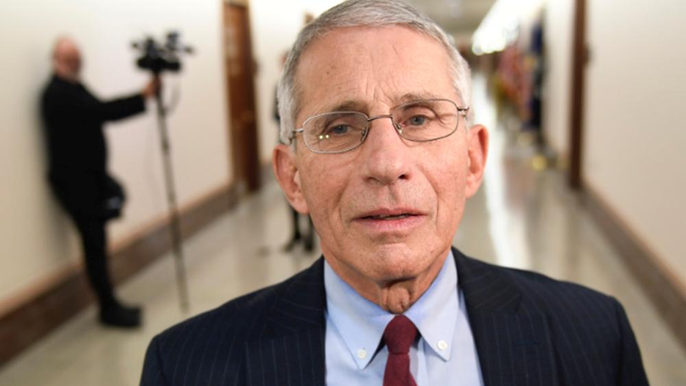 Δρ. Φάουτσι: Τα χειρότερα έρχονται για την πανδημία μετά τις γιορτές