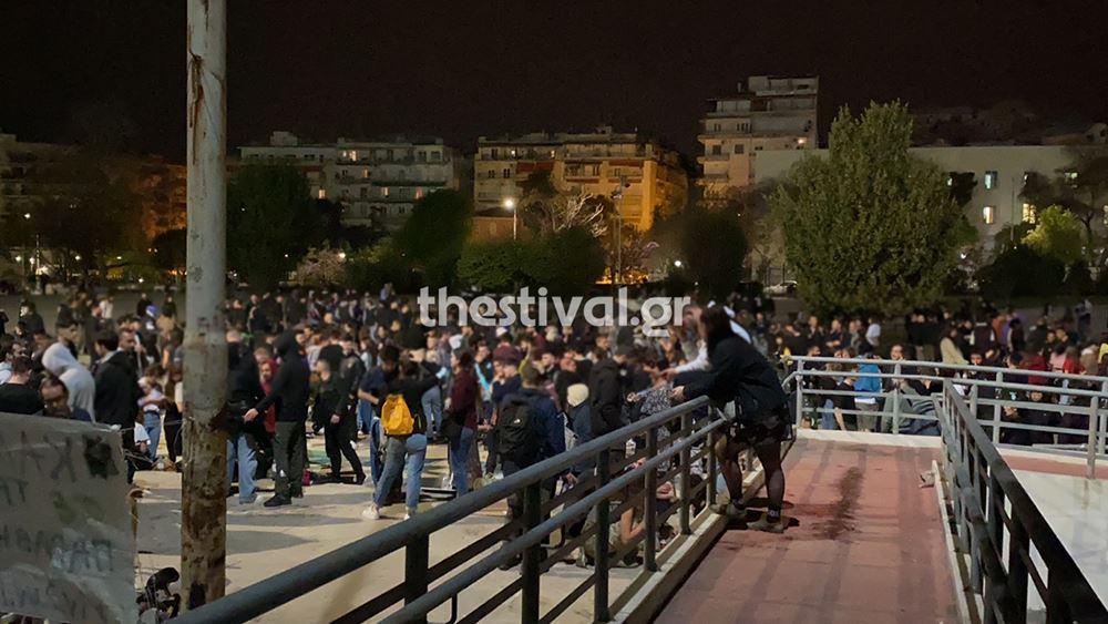 Θεσσαλονίκη: Πάρτι χιλίων ατόμων στο ΑΠΘ