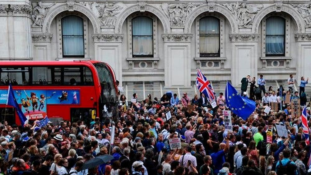 """""""Άθλος"""" η επίτευξη νέας συμφωνίας για το Brexit μέχρι τις 31/10, δηλώνει Ευρωπαίος αξιωματούχος"""