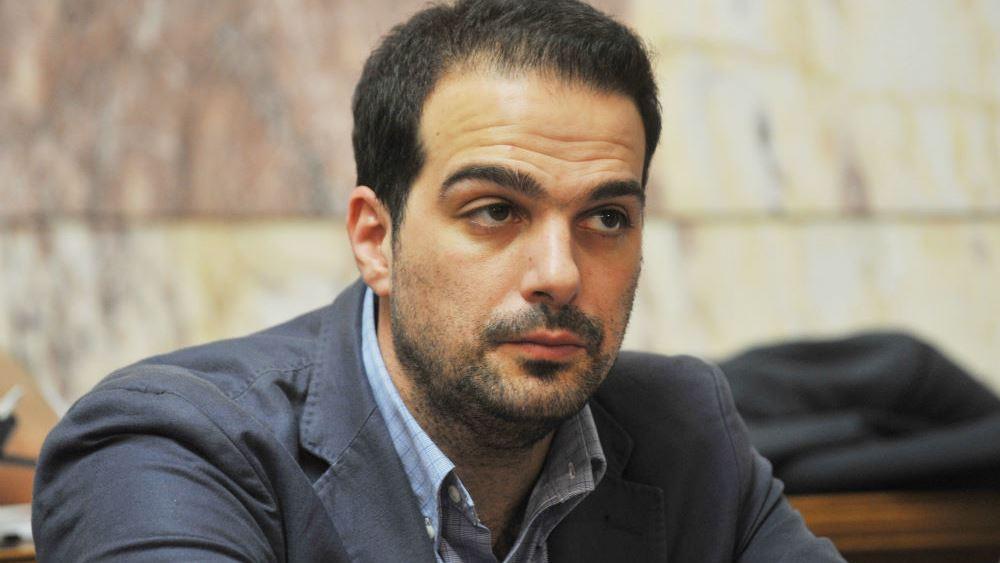 """""""Διχάζει"""" τον ΣΥΡΙΖΑ ο Σακελλαρίδης για το προσφυγικό"""