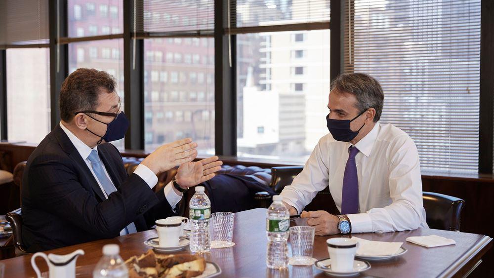 Μητσοτάκης - Μπουρλά συζήτησαν για τηνπρόοδο των επενδύσεων της Pfizer στη Θεσσαλονίκη