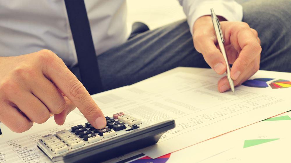 """Με """"δημιουργική λογιστική"""" δεν βλέπει δημοσιονομικό κενό το Γραφείο Προϋπολογισμού της Βουλής"""