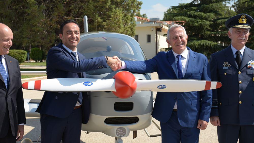 Παρουσία του Ευ. Αποστολάκη η τελετή παραλαβής 12 νέων εκπαιδευτικών αεροσκαφών της Π.Α.