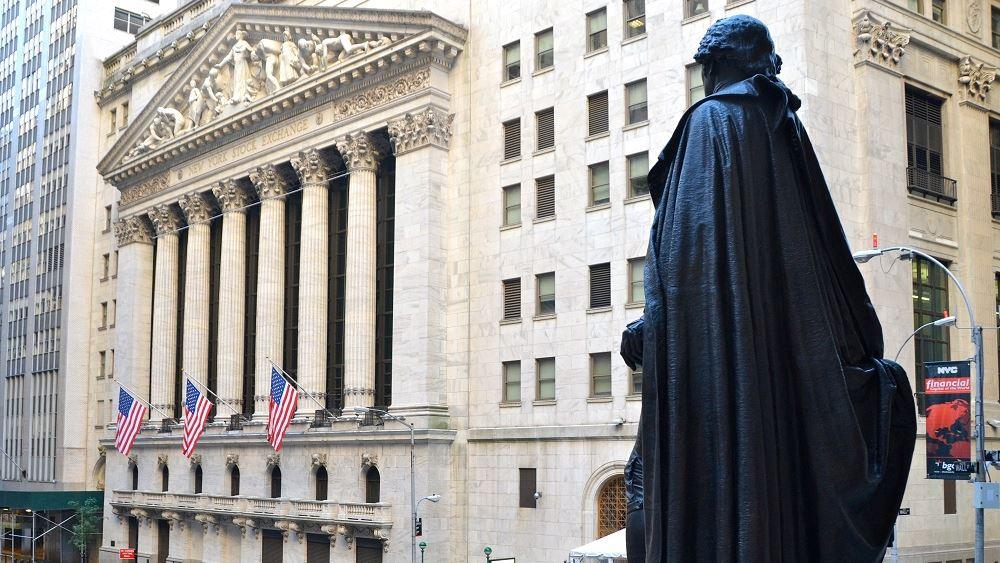 Ανοδικά η Wall Street εν αναμονή της ομιλίας Πάουελ