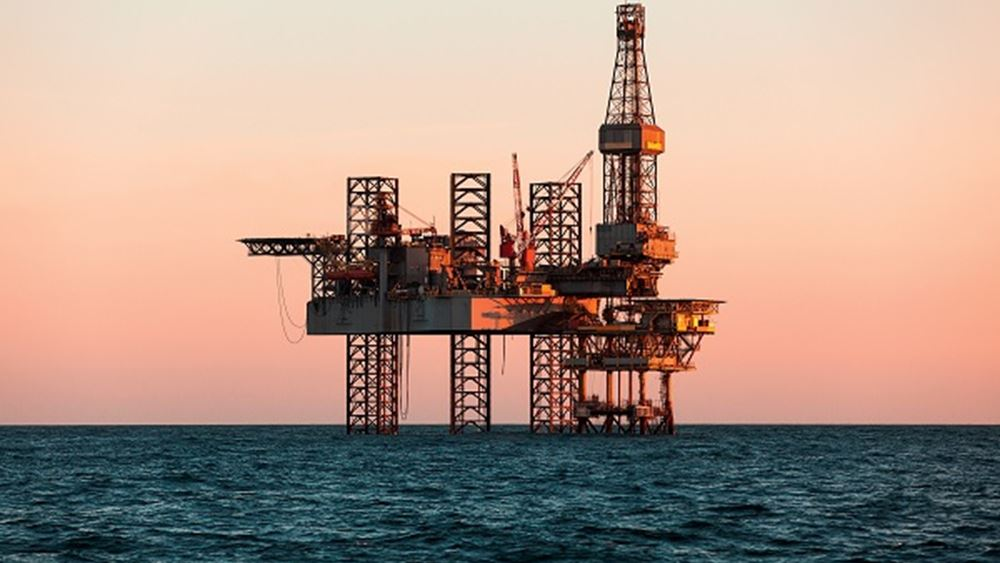 Βουτιά 2,5% για το πετρέλαιο μετά τους δασμούς της Κίνας στις ΗΠΑ