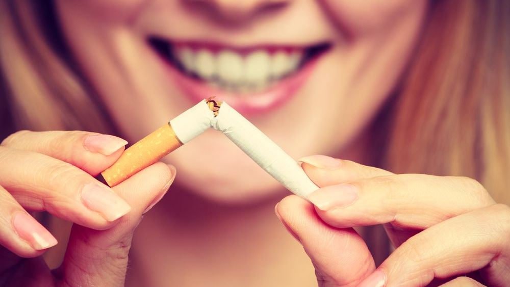 ΕΛΣΤΑΤ: Εντυπωσιακή μείωση του καπνίσματος καταγράφηκε στην Ελλάδα την τελευταία δεκαετία