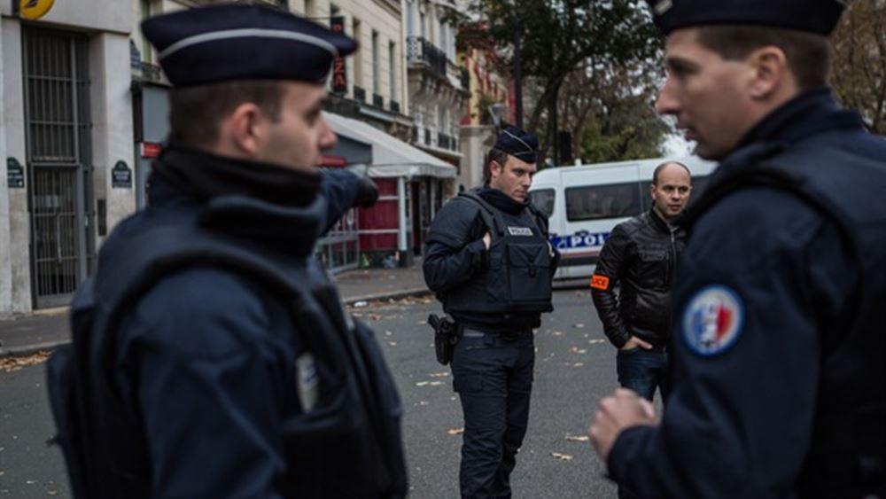Γαλλία: Αστυνομικοί διαδηλώνουν στη Λεωφόρο των Ηλυσίων Πεδίων