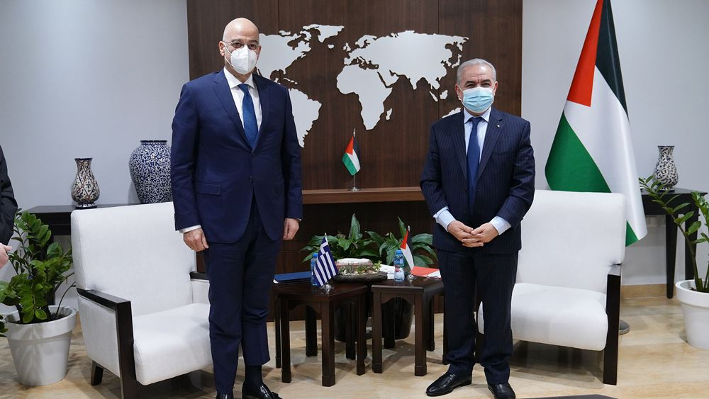 Με τον Παλαιστίνιο πρωθυπουργό συναντήθηκε ο Ν. Δένδιαςγια τις εξελίξεις στη Μ. Ανατολή